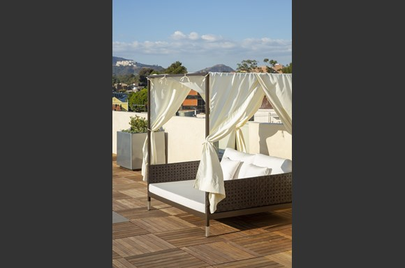 mysuite-acacia-rooftop-brentwood-los-angeles-furnished-apartments-luxury-nms-properties-cabana.jpg