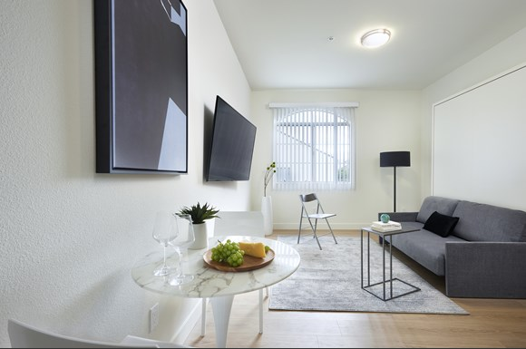 mysuite-at-superior-furnished-apartments-northridge-product-couch-dining