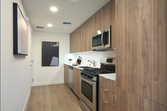 mysuite-at-superior-furnished-apartments-northridge-product-kitchen