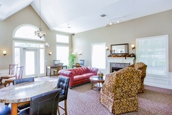 7700 Riverside Drive 1-2 Beds Apartment for Rent Photo Gallery 1