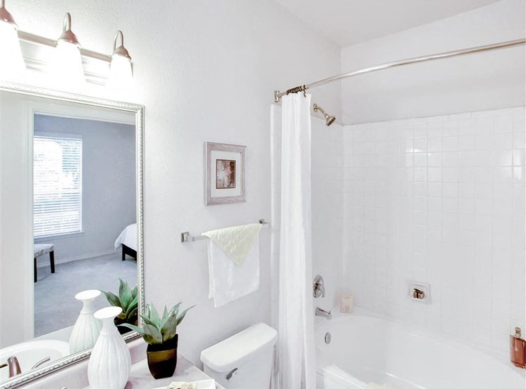 En suite bathroom at The Remington at Memorial in Tulsa, OK, For Rent. Now leasing 1 and 2 bedroom apartments.