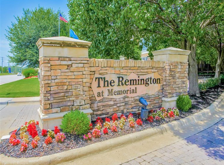 Upscale entrance to The Remington at Memorial in Tulsa, OK, For Rent. Now leasing 1 and 2 bedroom apartments.