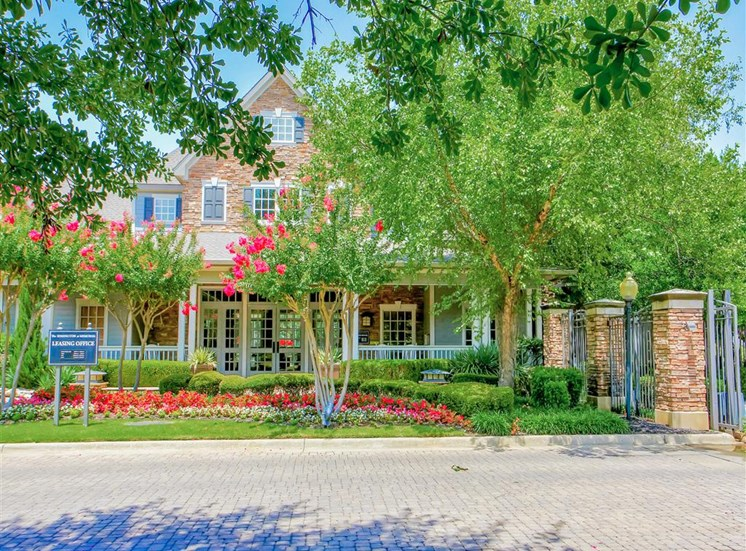 Lush curb appeal at The Remington at Memorial in Tulsa, OK, For Rent. Now leasing 1 and 2 bedroom apartments.