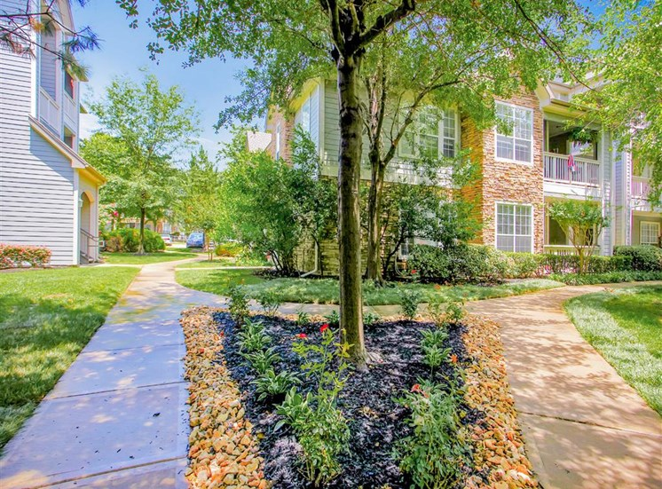 Resort feel at The Remington at Memorial in Tulsa, OK, For Rent. Now leasing 1 and 2 bedroom apartments.