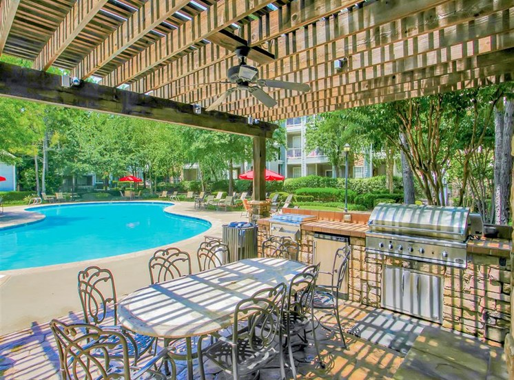 Dine poolside at The Remington at Memorial in Tulsa, OK, For Rent. Now leasing 1 and 2 bedroom apartments.