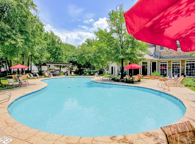 Expansive resort style pool at The Remington at Memorial in Tulsa, OK, For Rent. Now leasing 1 and 2 bedroom apartments.