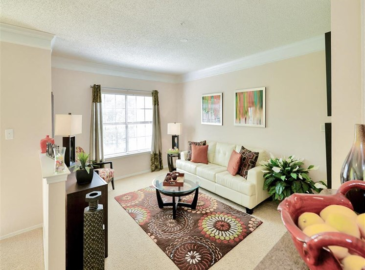 Spacious living room of Saxony at Chase Oaks in North Plano, TX, For Rent. Now leasing 1, 2 and 3 bedroom apartments.