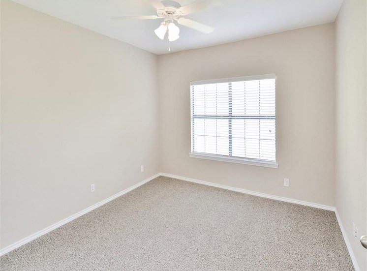 Plush carpet in 1, 2 or 3 bedrooms For Rent at Saxony at Chase Oaks in North Plano, TX.