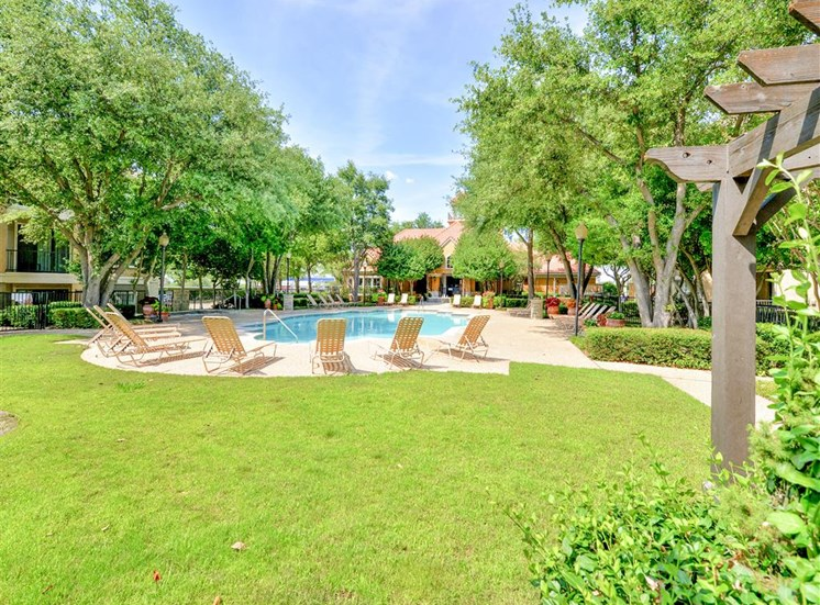 Dog friendly dog park and 2 pools Saxony at Chase Oaks in North Plano, TX, For Rent. Now leasing 1, 2 and 3 bedroom apartments.