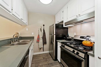 2401 S Hacienda Blvd 1 Bed Apartment for Rent Photo Gallery 1