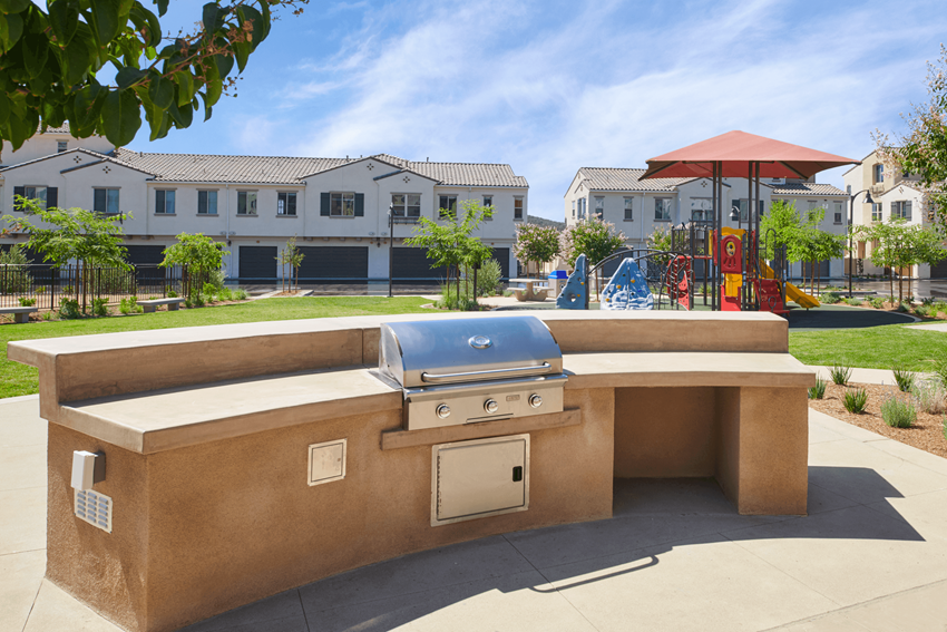 BBQ Pavilion at Mitchell Place Apartments