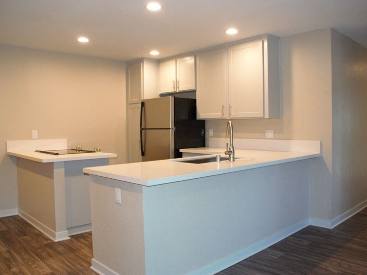 Modern Kitchen  at Stonewood Gardens Apartment Homes, 3889 Midway Drive