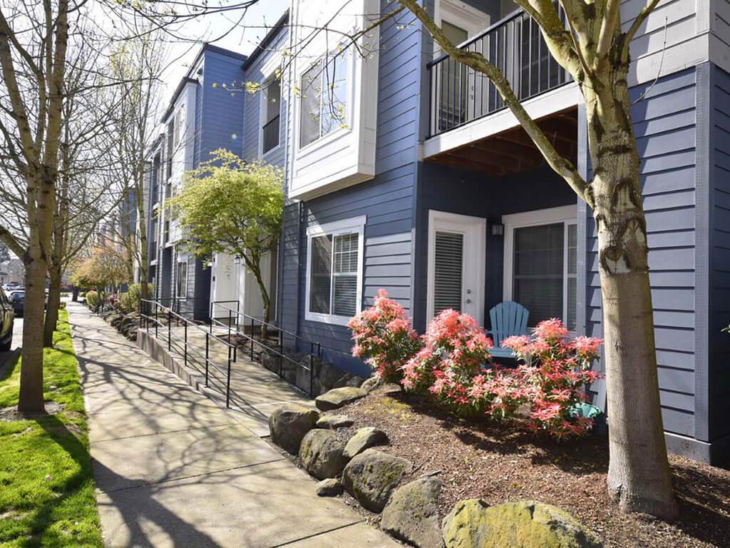 Elegant Exterior View at Domaine at Villebois Apartment Homes, Wilsonville, 97070