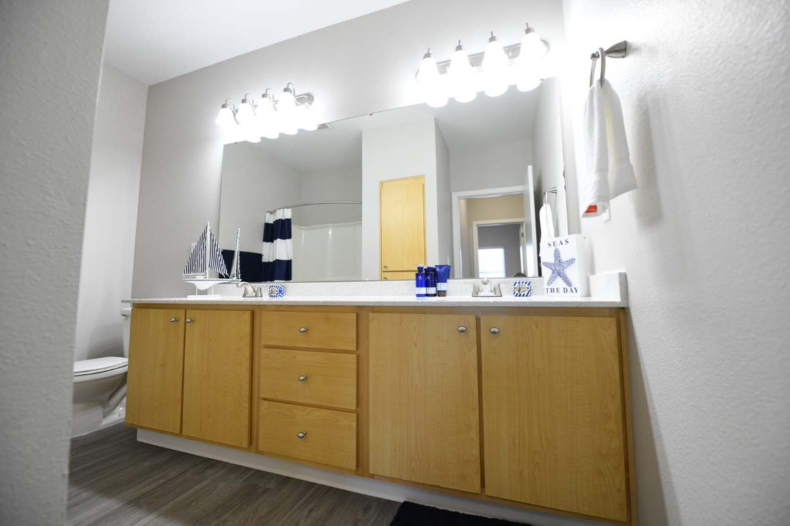 Luxurious Bathrooms at Domaine at Villebois Apartment Homes, Wilsonville, Oregon