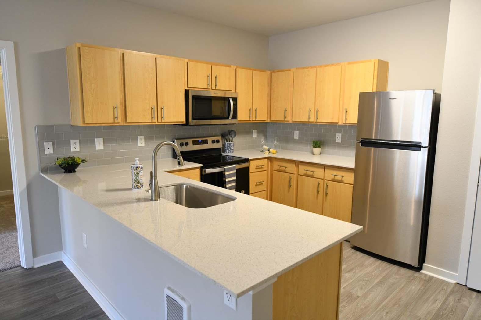 Granite Countertop Kitchen at Domaine at Villebois Apartment Homes, Oregon