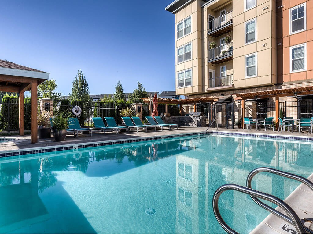 pool seating at Domaine at Villebois Apartment Homes, Wilsonville, Oregon