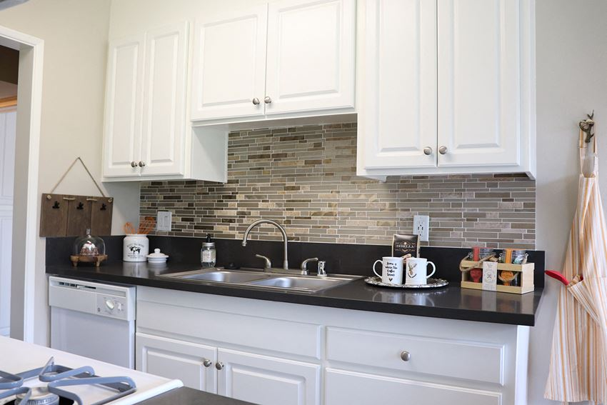 Modern Kitchen at Monte Vista Apartment Homes, 91750, California