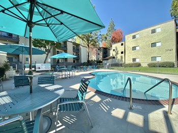 800 Nichols Boulevard 1-2 Beds Apartment for Rent Photo Gallery 1