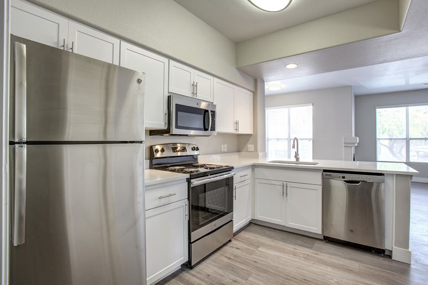 Modern Kitchen at The Retreat Apartments