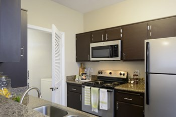 41955 Margarita Road 1 Bed Apartment for Rent Photo Gallery 1