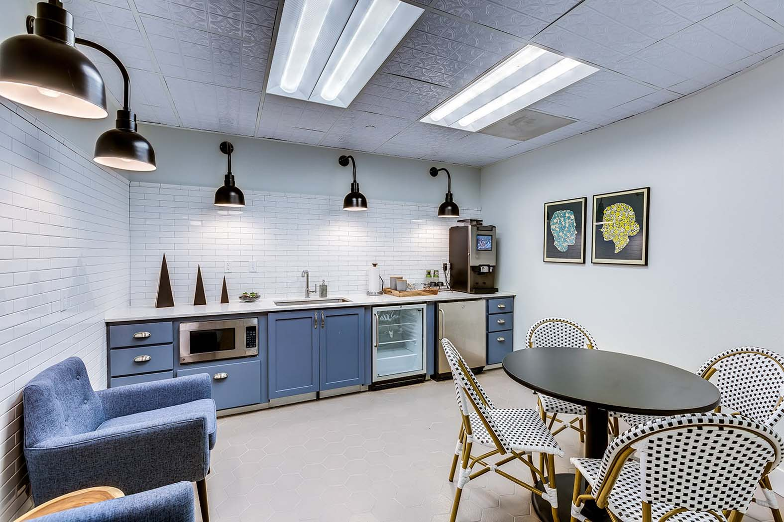 Cyber Cafe And Coffee Bar at Domaine at Villebois Apartment Homes, Wilsonville, OR