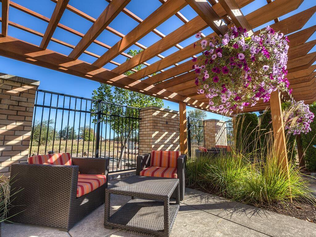 Shaded Outdoor Courtyard Area at Domaine at Villebois Apartment Homes, Wilsonville, 97070