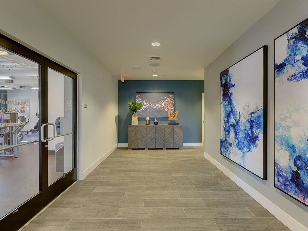Lobby Area at Domaine at Villebois Apartment Homes, Oregon