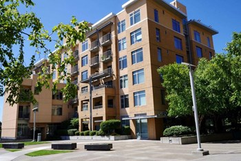 608 Washington Street Studio-3 Beds Apartment for Rent Photo Gallery 1