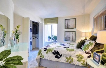 8683 Via Mallorca Studio Apartment for Rent Photo Gallery 1