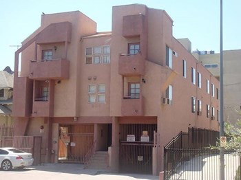 909 Irolo St. 2 Beds Apartment for Rent Photo Gallery 1