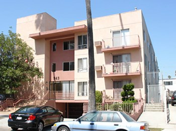 943 Arapahoe St. 3 Beds Apartment for Rent Photo Gallery 1