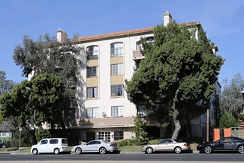 1601 Venice Blvd. 1 Bed Apartment for Rent Photo Gallery 1