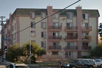 1620 Venice Blvd. Studio Apartment for Rent Photo Gallery 1