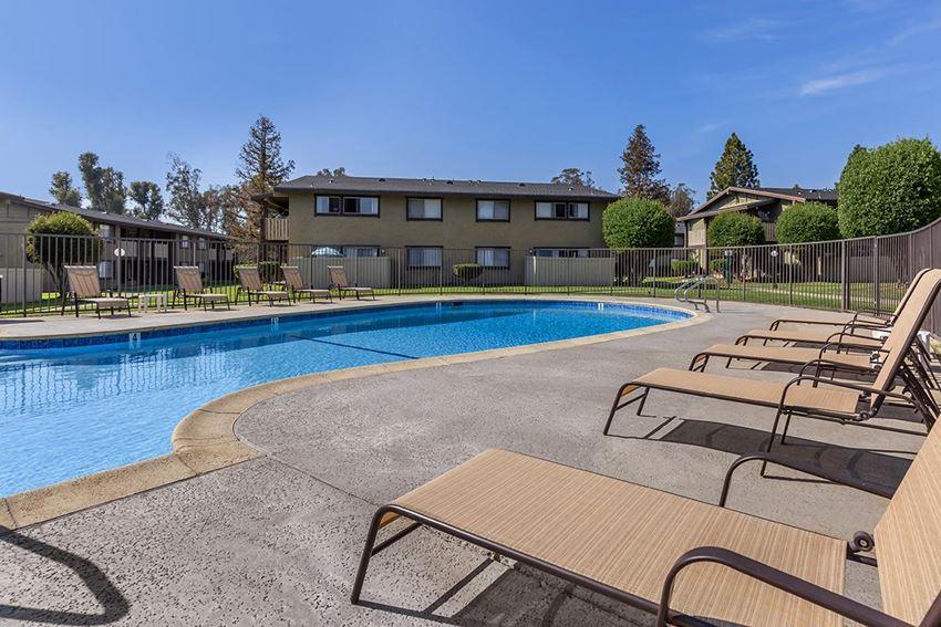 Saddleback Ranch Apartments pool and building