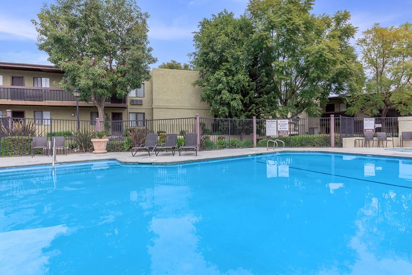 Alta Loma Mature Adults Apartments pool and building