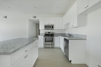 422 South Lake Street 3 Beds Apartment for Rent Photo Gallery 1