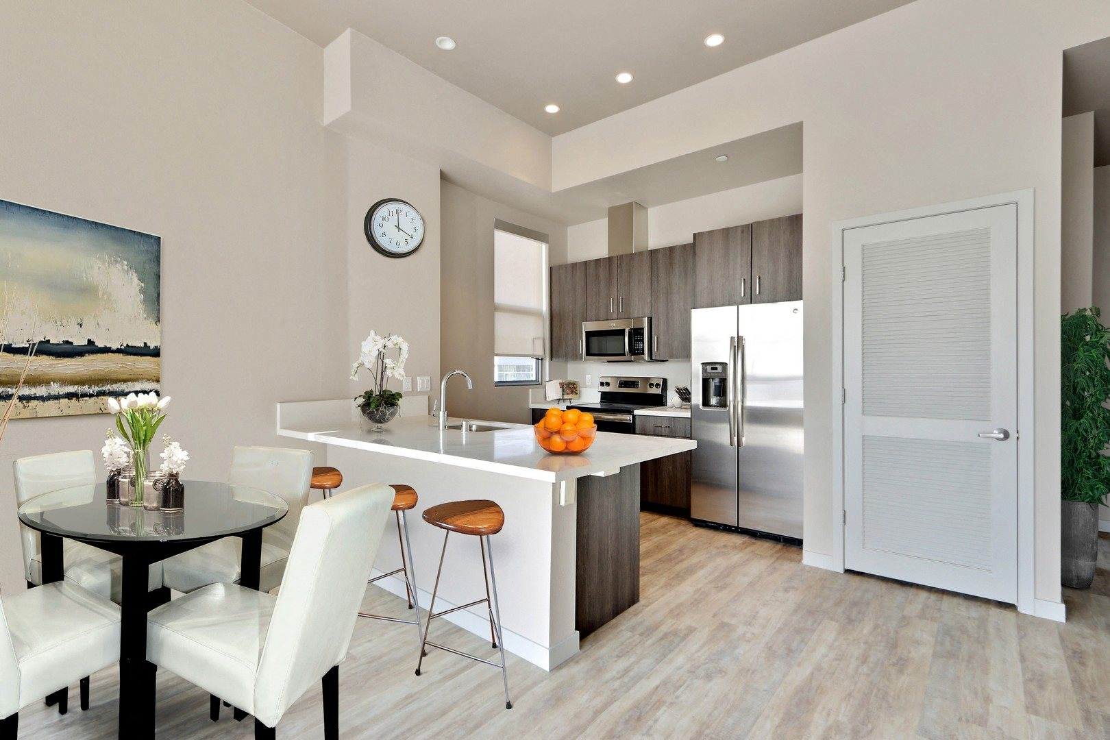 Luxury Apartments in South Park Los Angeles - E On Grand Kitchen