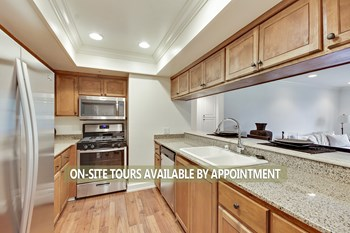 1430 North Harper Avenue 3 Beds Apartment for Rent Photo Gallery 1
