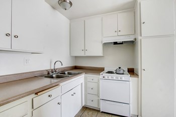 8031 & 8045 Sepulveda Blvd Studio-2 Beds Apartment for Rent Photo Gallery 1