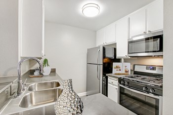 14440 Dickens Street Studio-2 Beds Apartment for Rent Photo Gallery 1