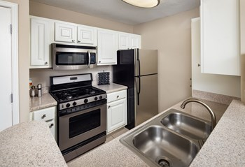 1000 Shadowood Parkway 1-2 Beds Apartment for Rent Photo Gallery 1