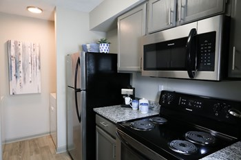 113 Magnolia Drive 2 Beds Apartment for Rent Photo Gallery 1