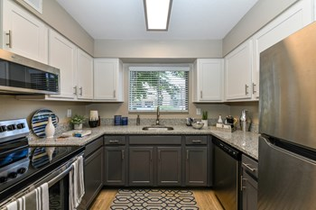 1301 Lakeshore Place 1-3 Beds Apartment for Rent Photo Gallery 1