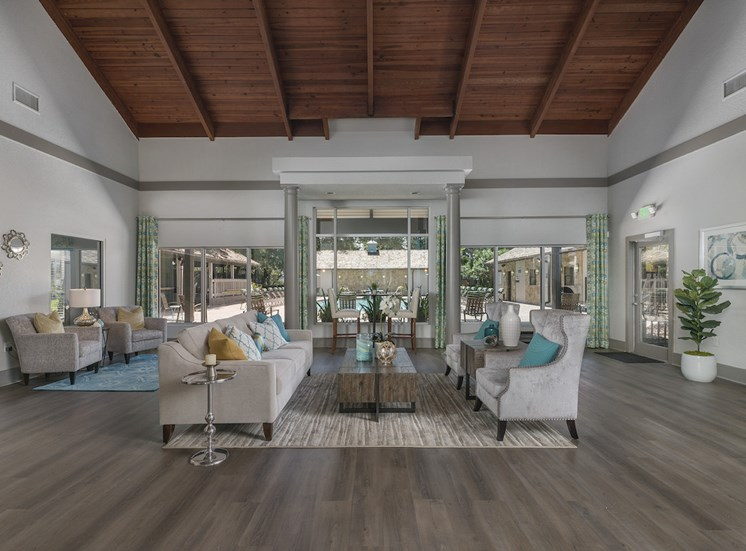 Clubhouse with large sitting area at The Retreat at Lakeland Apartments, Lakeland, Florida