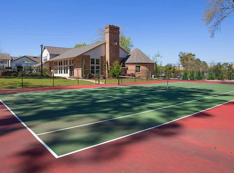 Tennis Court at Aspen Run Apartments in Tallahassee