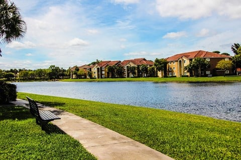 Oasis Delray Beach Apartments | Walking Trails