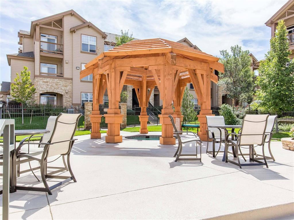 The Village at Legacy Ridge Apartments   Poolside Picnic Areas