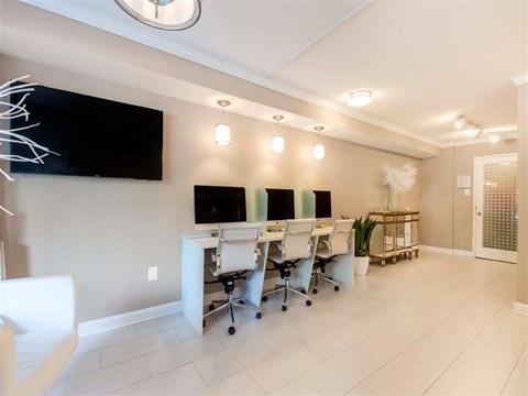 Ellicott House | Apartments for Rent Washington, DC | Business Center