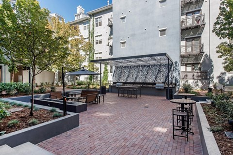 Uptown Square|Courtyard and Lounge Area