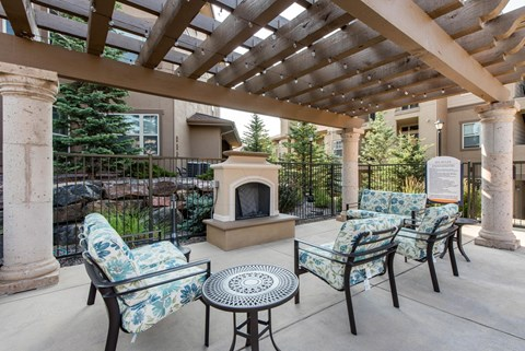 Talon Hill Apartments | Outdoor Fireplace